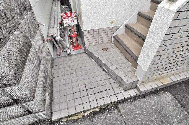 シティハイツホライズン この階段を登った先にあなたの新生活が待っていますよ。