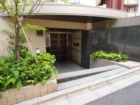代官山駅 徒歩5分エントランス