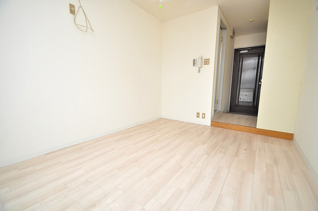 センチュリーシティⅡ 白を基調とした内装でおしゃれで、落ち着ける空間です。