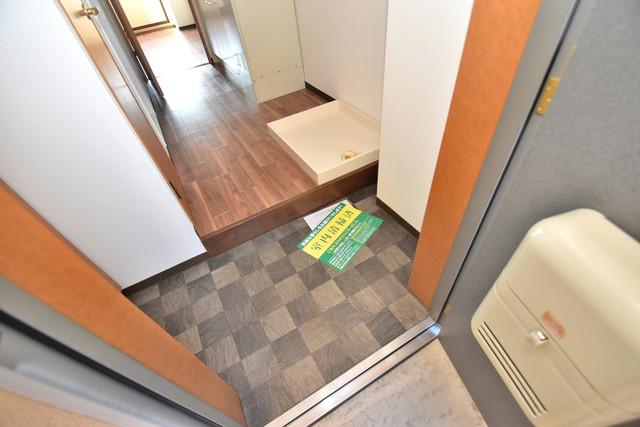 サンピリア小阪 素敵な玄関は毎朝あなたを元気に送りだしてくれますよ。