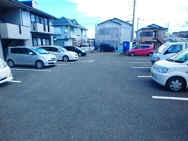 サンフィールド駐車場