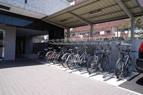 ラック式駐輪場