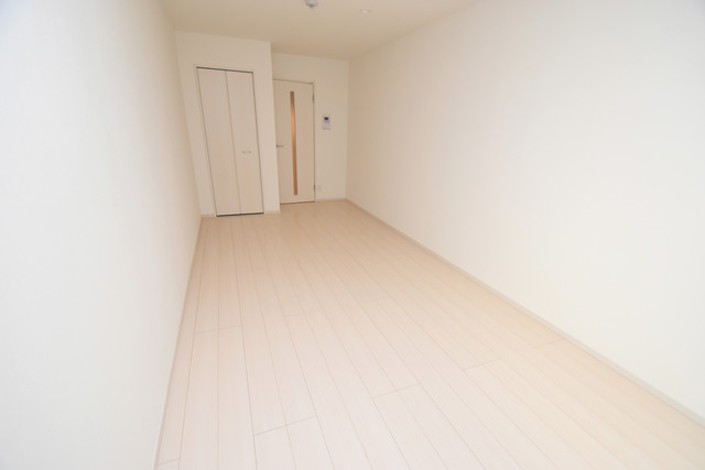 リブリ・布施 明るいお部屋は風通しも良く、心地よい気分になります。