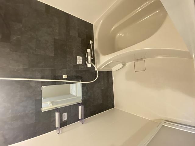 ステディ八戸の里 ゆったりサイズのお風呂は落ちつける癒しの空間です。