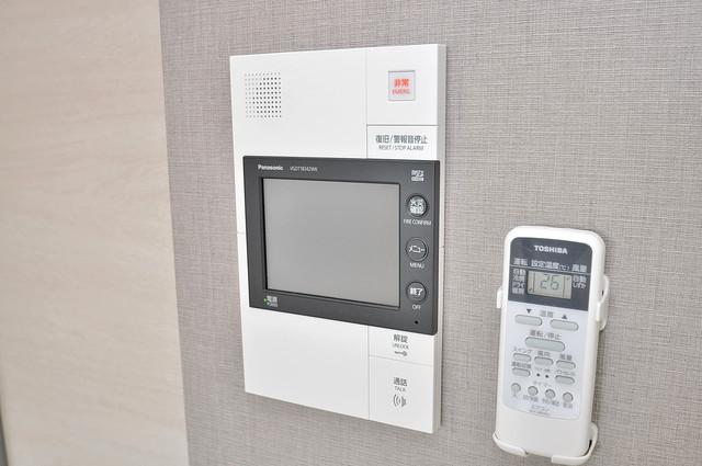サムティ大阪GRAND EAST TVモニターホンは必須ですね。扉は誰か確認してから開けて下さいね