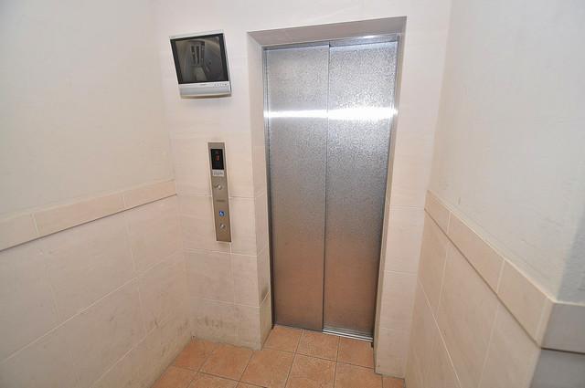 セレッソコート八戸ノ里ハートランドイーストビュー 嬉しい事にエレベーターがあります。重い荷物を持っていても安心