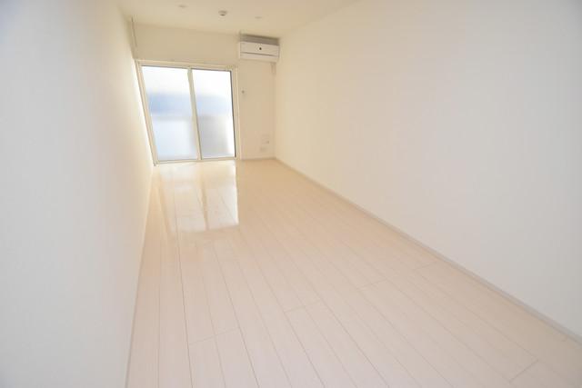 リブリ・布施 白を基調とした内装でおしゃれで、落ち着ける空間です。
