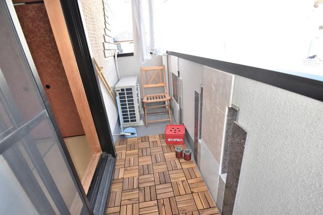 高井田元町2-11-15貸家 ゆとりのある広さが魅力のバルコニー。