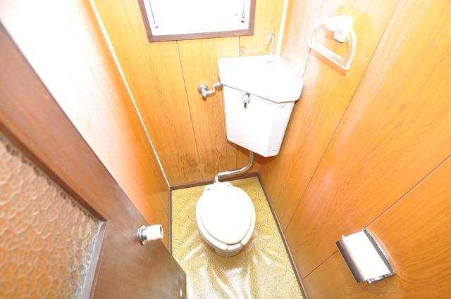 小阪ビル スタンダードなトイレは清潔感があって、リラックス出来ます。