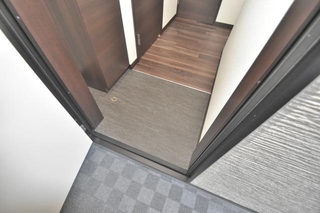ラージヒル長瀬EAST 素敵な玄関は毎朝あなたを元気に送りだしてくれますよ。