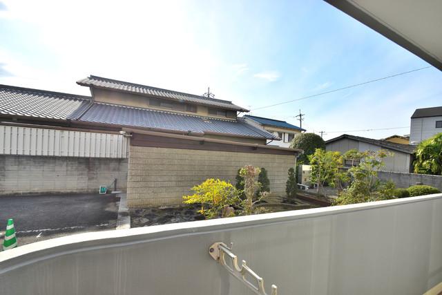 ファミール上小阪 この見晴らしが陽当たりのイイお部屋を作ってます。