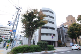 https://image.rentersnet.jp/748d4aa0-1938-4f38-8bb7-55769a9dc690_property_picture_2418_large.jpg_cap_外観