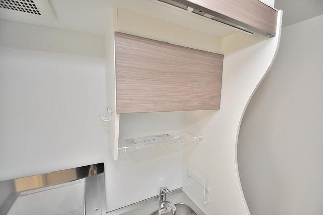 セレニテオズ北巽 キッチン棚も付いていて食器収納も困りませんね。