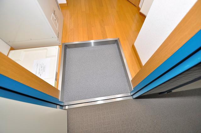 新深江池田マンション 玄関を開けると解放感のある空間がひろがりますよ。