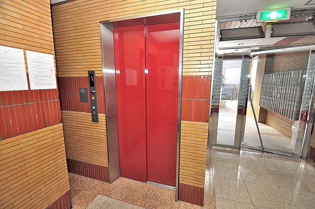 エムロード玉造 嬉しい事にエレベーターがあります。重い荷物を持っていても安心