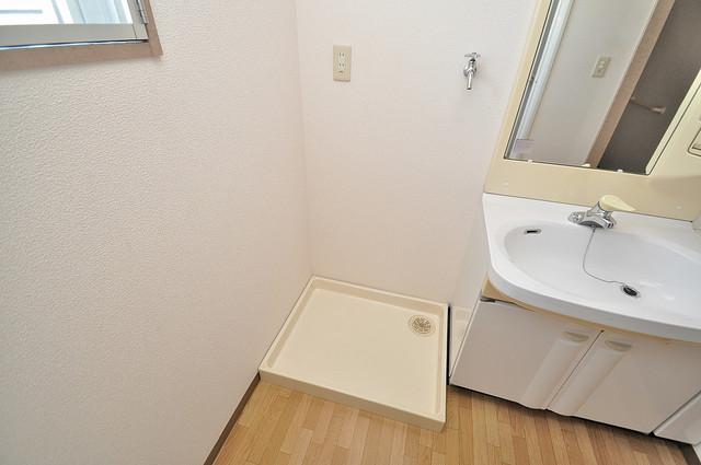 エレガンス川上 嬉しい室内洗濯機置場。これで洗濯機も長持ちしますね。