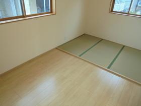 https://image.rentersnet.jp/75bf30fa-1a37-4514-8246-b739c2edc9bf_property_picture_959_large.jpg_cap_居室
