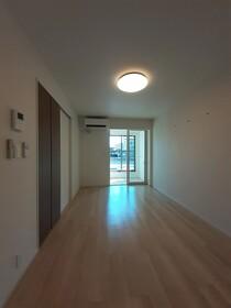https://image.rentersnet.jp/7618a242-d994-4ea5-bc0a-e409f29772d5_property_picture_3515_large.jpg_cap_居室