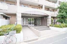 https://image.rentersnet.jp/7645df11a04d7510dcf7dfde4ad3f0c3_property_picture_1800_large.jpg_cap_エントランス