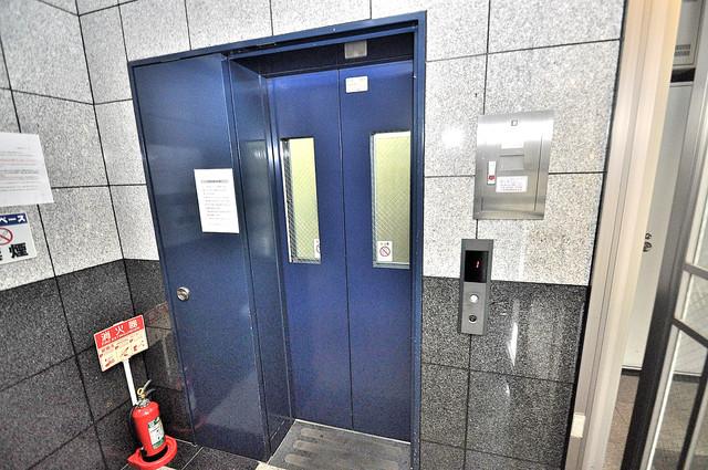 グランデージ長田東 嬉しい事にエレベーターがあります。重い荷物を持っていても安心