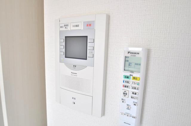 アドバンス大阪バレンシア TVモニターホンは必須ですね。扉は誰か確認してから開けて下さいね