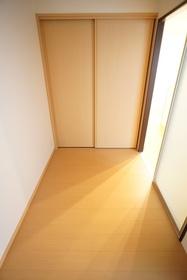 https://image.rentersnet.jp/76a28f3f-cef4-4897-928a-5d5e62081bba_property_picture_3276_large.jpg_cap_居室