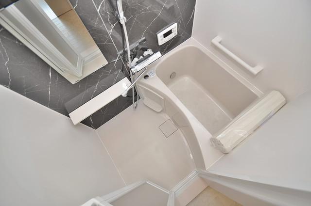 プリッ2 長瀬町  ちょうどいいサイズのお風呂です。お掃除も楽にできますよ。
