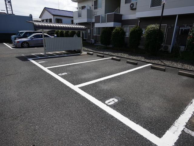 アルエットⅡ駐車場