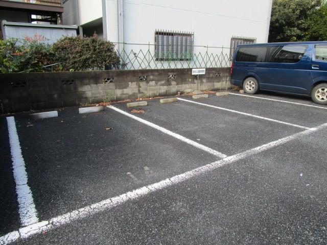 メゾンキム駐車場