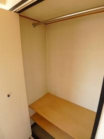 クレッセント梅屋敷 301号室