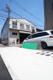 https://image.rentersnet.jp/779b897c-eb97-4933-908c-2380dd28f897_property_picture_1800_large.jpg_cap_ゴミ捨て場あります