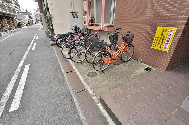 セサミハイム 駐輪場が敷地内にあります。愛車を安心して置いておけますね。