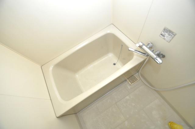 フローラ長田 広めのお風呂は一日の疲れを癒してくれます。