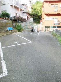プラムハイツ丸山台駐車場
