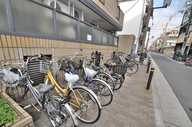メゾンドール新今里 あなたの大事な自転車も安心してとめることができますね。