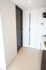 https://image.rentersnet.jp/77eb8746362d4f706c78c3fdf3231c5f_property_picture_961_large.jpg_cap_居室