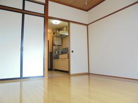https://image.rentersnet.jp/78120940-5a38-4e62-82b0-7bed01b089d7_property_picture_3186_large.jpg_cap_居室
