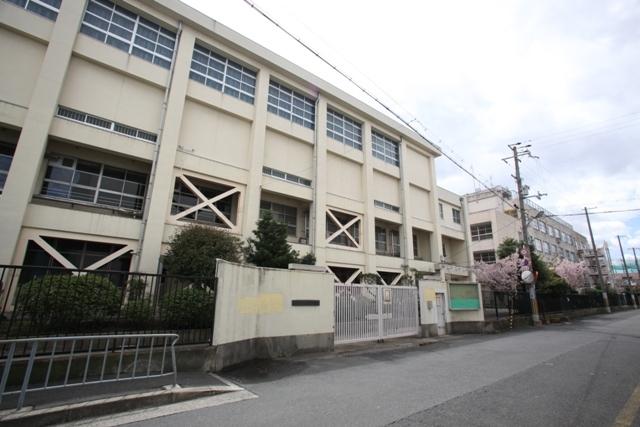 アドバンス渋川 ペントハウス 東大阪市立柏田中学校