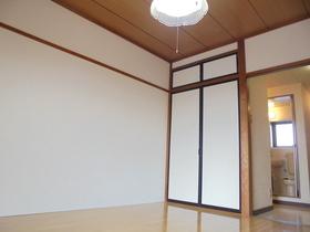https://image.rentersnet.jp/79093314-15a7-4f41-8101-e16048d2bd9b_property_picture_3186_large.jpg_cap_居室