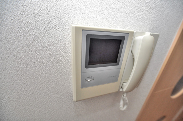 Celeb西上小阪 モニター付きインターフォンでセキュリティ対策もバッチリ。