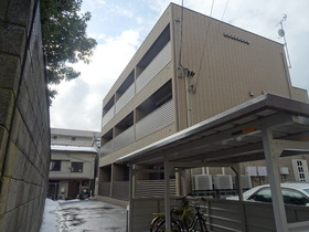 https://image.rentersnet.jp/7942202c-baa1-4e1e-9415-d046d1307046_property_picture_2418_large.jpg_cap_外観