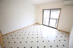 https://image.rentersnet.jp/79471a43-511e-411f-b6ab-78bae0b1b0c2_property_picture_2988_large.jpg_cap_居室