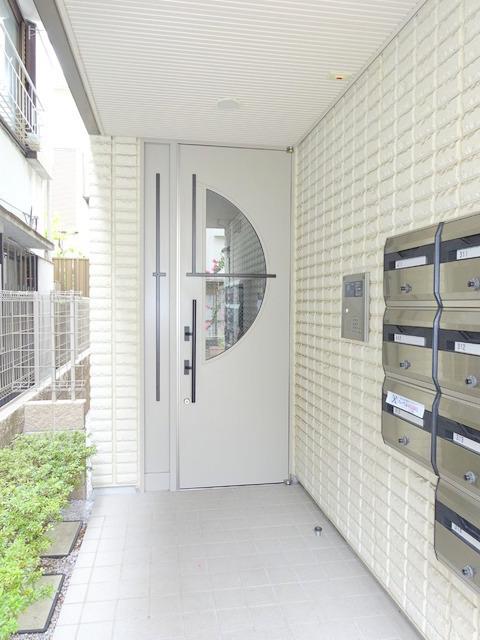 中野坂上駅 徒歩12分エントランス