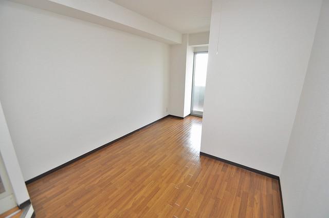 清洲プラザ高井田 明るいお部屋はゆったりとしていて、心地よい空間です