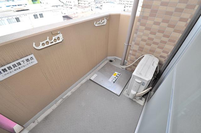 ディナスティ東大阪センターフィールド 心地よい風が吹くバルコニー。洗濯物もよく乾きそうです。