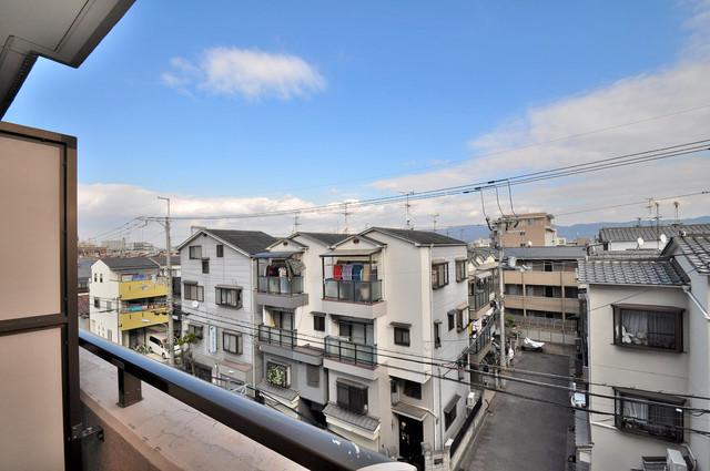 プリムヴェール バルコニーは眺めが良く、風通しも良い。癒される空間ですね。