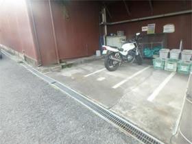Uトピア駐車場