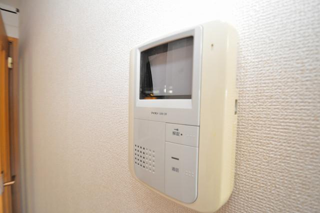 シムリーミナⅡ TVモニターホンは必須ですね。扉は誰か確認してから開けて下さいね