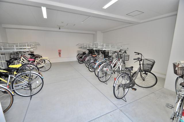 オリーブスクエア 屋内にある駐輪場は大切な自転車を雨から守ってくれます。