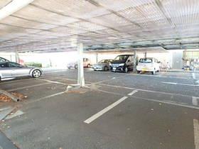 リヴェージュ百草園駐車場